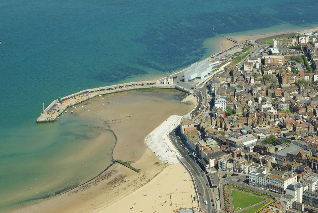 The scale of the amenity space and public realm which the new sea defences have brought to Margate can be appreciated in this aerial image by kind permission of Simon Moores.